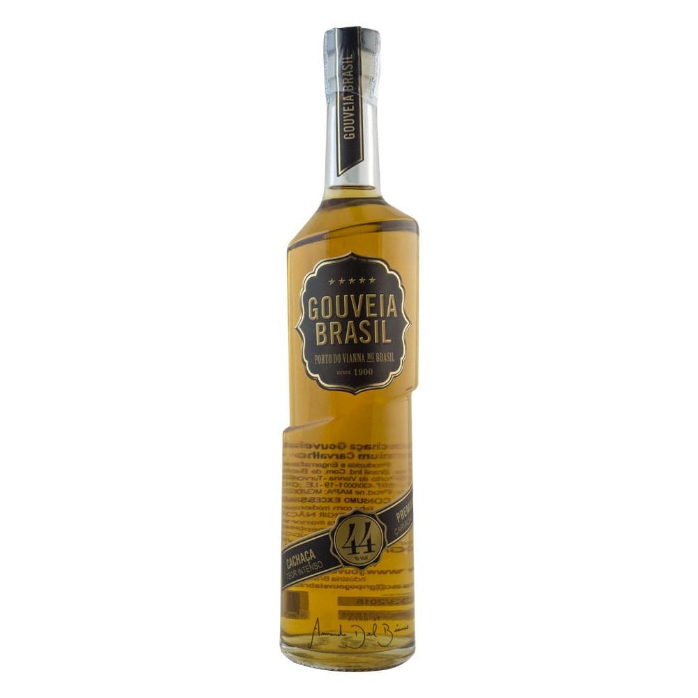 cachaca-gouveia-brasil-teor-intenso-premium-carvalho-700ml-00498_1