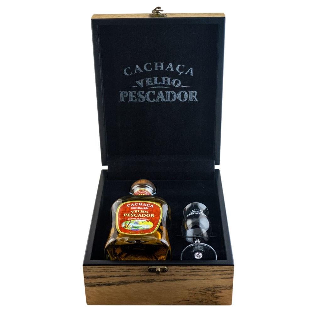 kit-de-madeira-cachaca-velho-pescador-ouro-750ml-00965_1